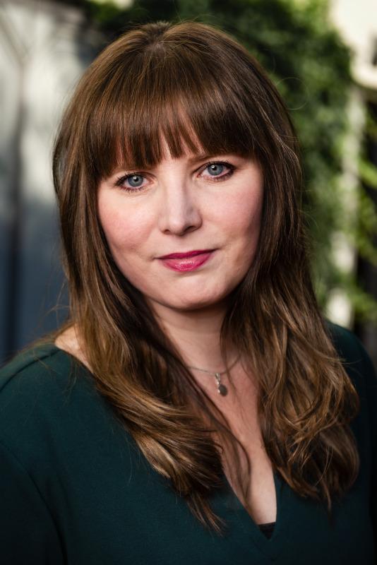 Chantal van Gastel is bestsellerauteur van o.a. Zwaar verliefd! en Ik wist het